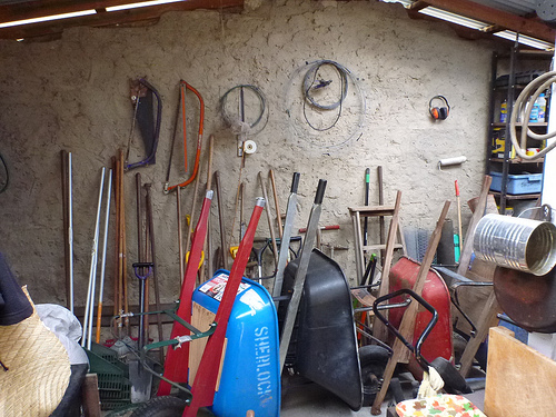 How to Organize Garden Tools and Supplies